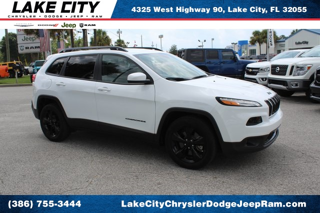 Pre-Owned 2018 Jeep Cherokee Latitude Altitude